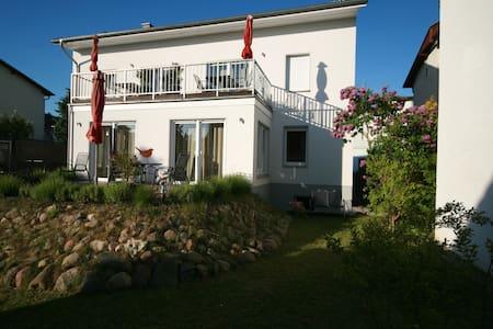 FeWo Poseidon Haus Sandra Rügen - Sassnitz - Lejlighed