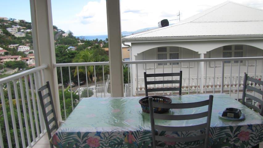 Très bel appartement avec vue sur mer - Les Trois-Îlets - Hus