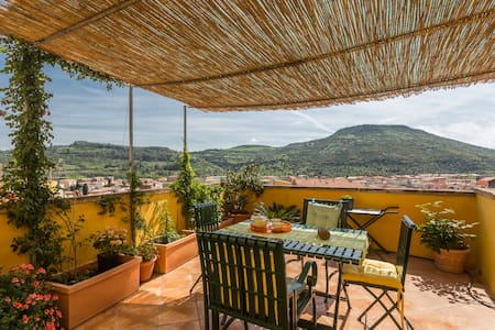 """Charming holiday home in """"Old"""" Bosa - Bosa - Talo"""