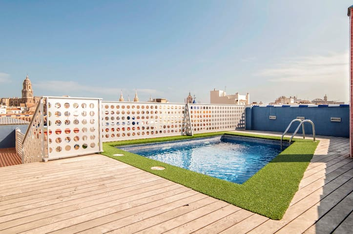 Central,Peaceful & Charming Studio/Wonderful Views - Málaga - Apartamento