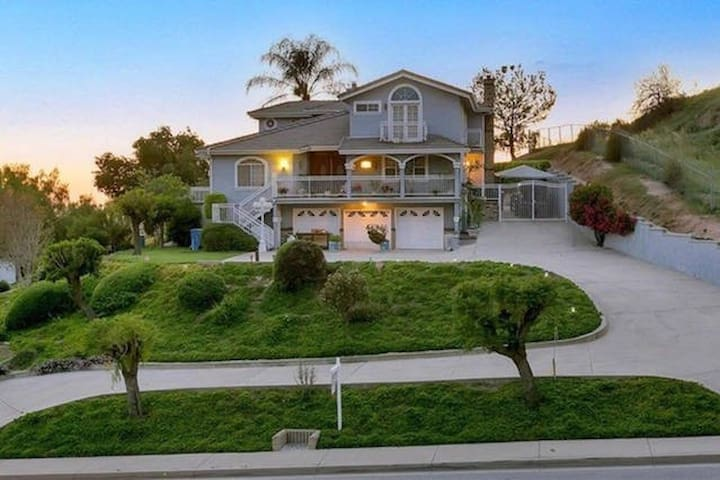 Couples Retreat 2 Rooms 1 Bath 4 Bed Spaces B+C - La Verne - House