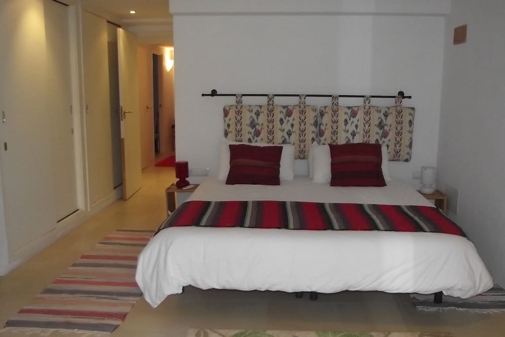 Great morning views of the Tramuntana from this bed