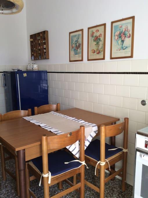 Cucina attrezzata inclusa lavastoviglie