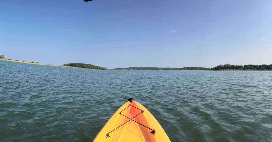 Kayaking on Accabonnac Bay in nearby Springs, home to Jackson Pollock's studio. Heavenly.