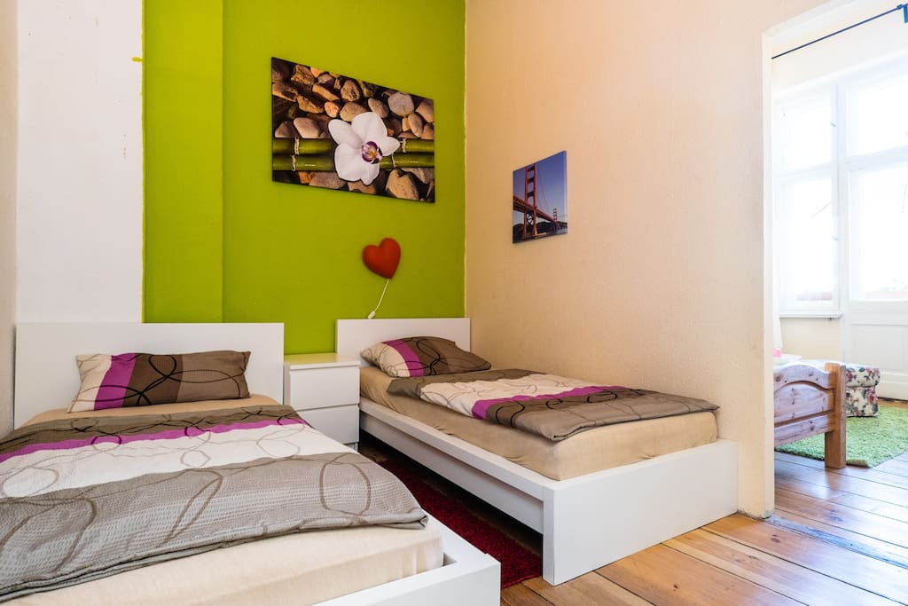2nd Bedroom with 2 Single Beds (100x200 and 90x200) or double bed (190x200), sideboard