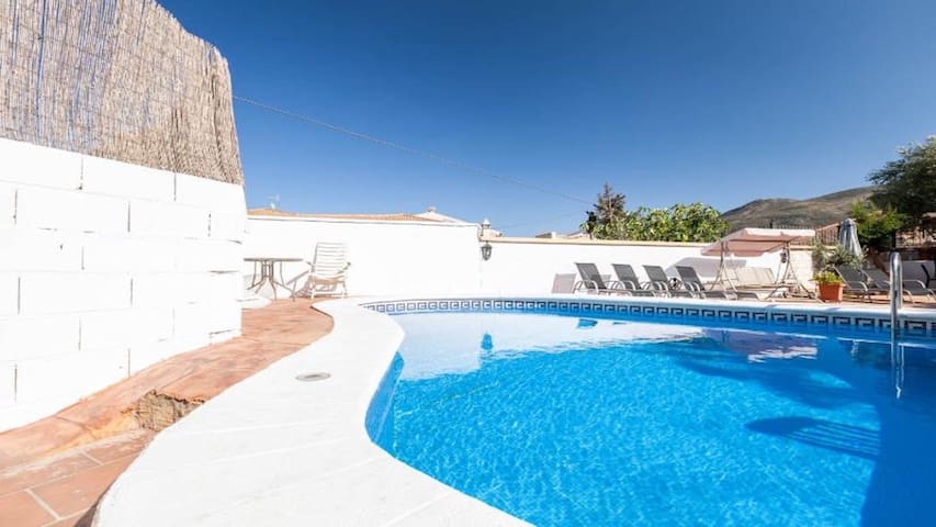 Large Beautiful house Private Pool, Garden, WIFI - Granada - House