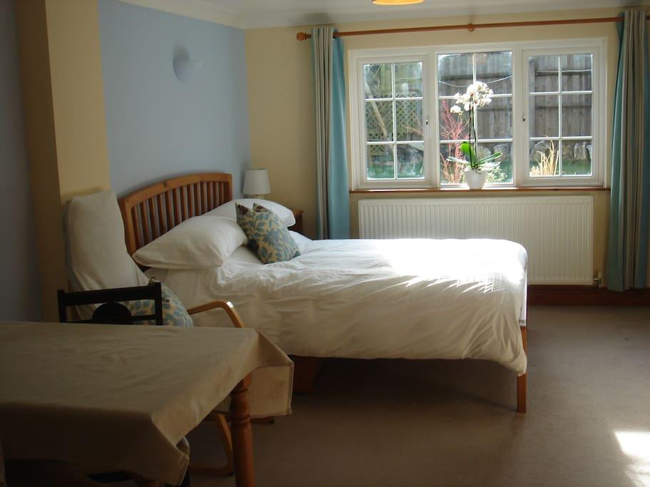 Airy, Spacious double room, en-suite.