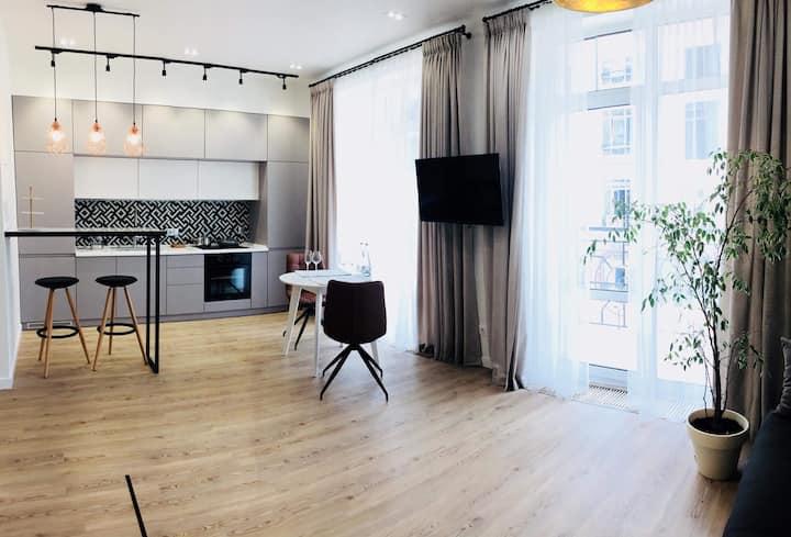 *MODERN LUXURY Apartment in the heart of Kiev*