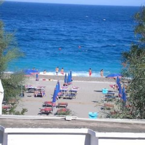 Holiday Taormina Apartment on the Beach - Mazzeo