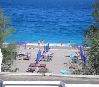 Holiday Taormina Apartment on the Beach - Mazzeo - 一軒家
