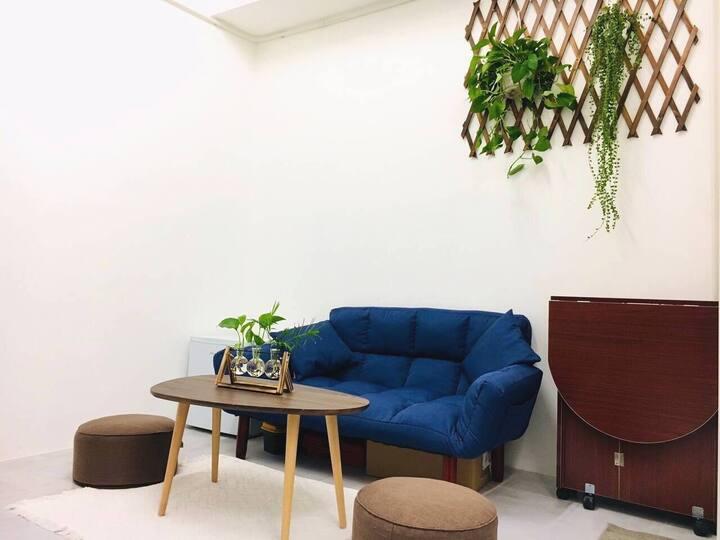 Cozy Sunlight Studio☺️ 舒適開放式公寓(8分鐘到太子/旺角/奧運站)