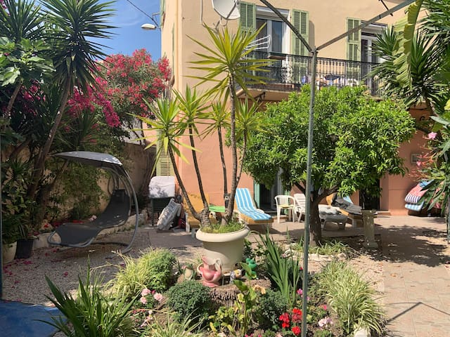 Grand studio avec jardin