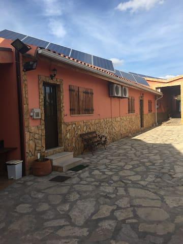 Bella casa com A/C à 30km Fatima