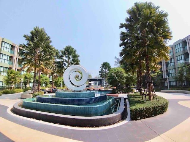 Beach Front LPN Park Beach Cha-am Private Living