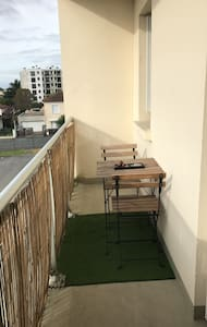 Studio avec balcon proche de Bordeaux - Talence - 公寓