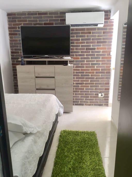 Bedroom doble bed
