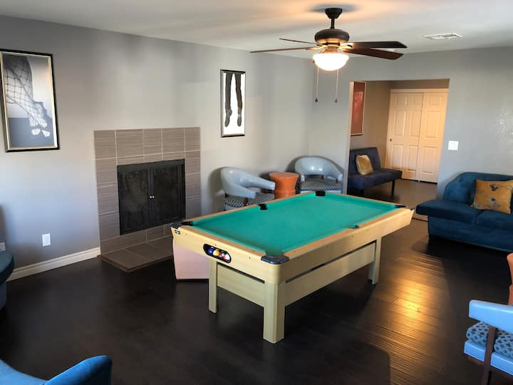 Beautiful Family Home w/ Games and Entertainment