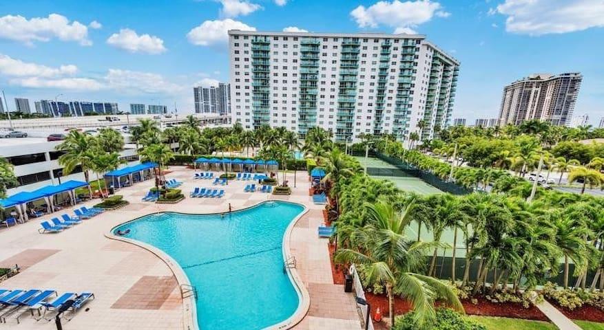 Beauty Condo  Ocean Reserve Sunny Isles Miami