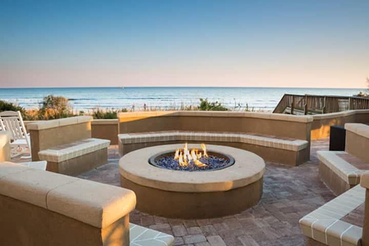 Two Bedroom Deluxe Ocean View Condo, Myrtle Beach (A748)