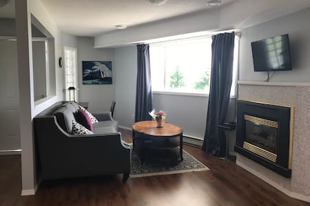 Private location in upscale College Heights