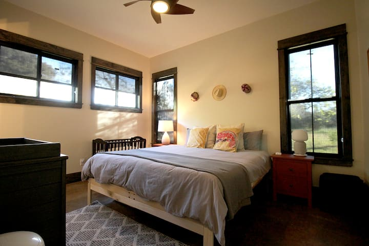 Master Bedroom - King Bed!