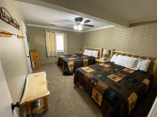 Downstairs double queen bedroom