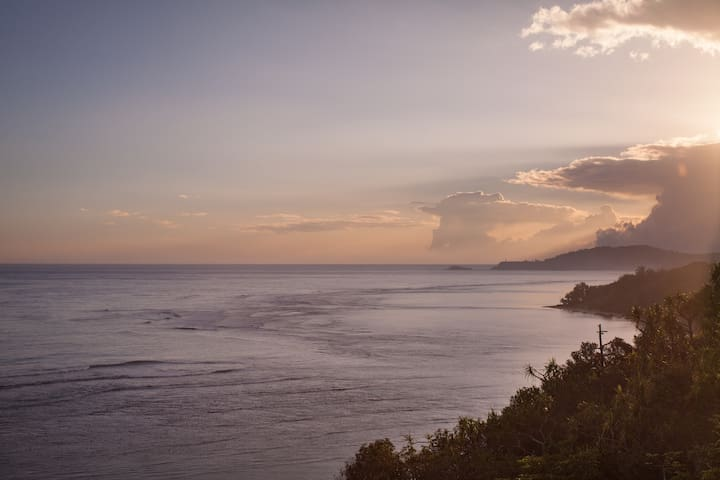 Scenic Island Vacation ★ Pools ★ Hiking ★ Beaches