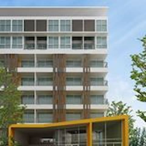 Latitude Condo Bangna Km.26 Bangsaothong Soi 4 - Samut Prakan - Apartment
