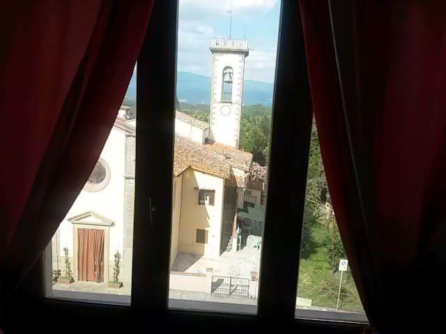Appartamento al 2° p. bella vista - Meleto - Apartment