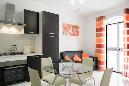 Two Bedroom Apartment - Sea views - Aircon - Marsaskala - Wohnung