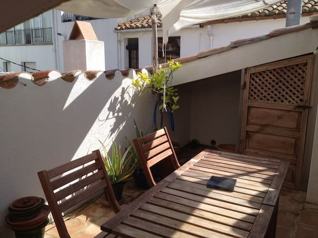 Nice duplex 50m from the sea - Calella de Palafrugell - Lägenhet