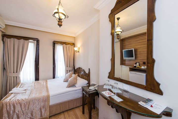 ❤️ Amazing Room in Old City ❤️ - Fatih - Bed & Breakfast