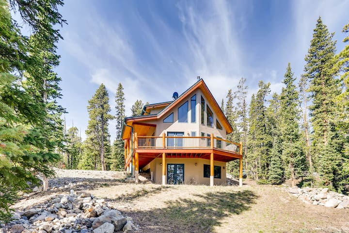 Porcupine Slopes is a Gorgeous Cabin Near Breck and Fairplay