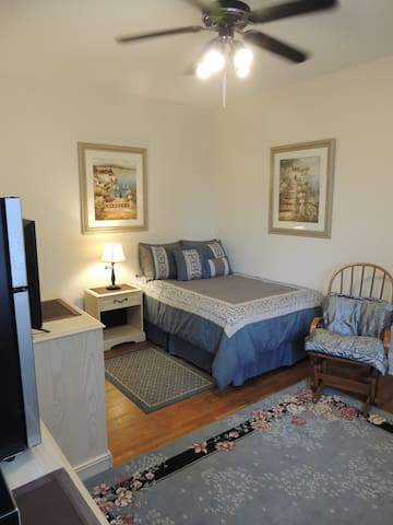 L3C  WE NEGOTIATE DOWN TO $25/NIGHT; near UC, VA