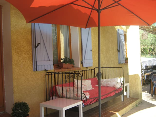 Carces lovely holiday villa to rent - Carcès - House