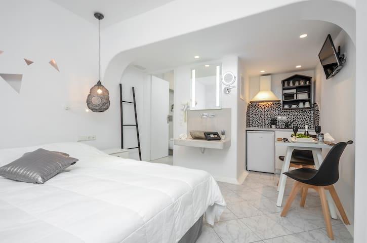 Evilion double studio (no balcony-ground floor)