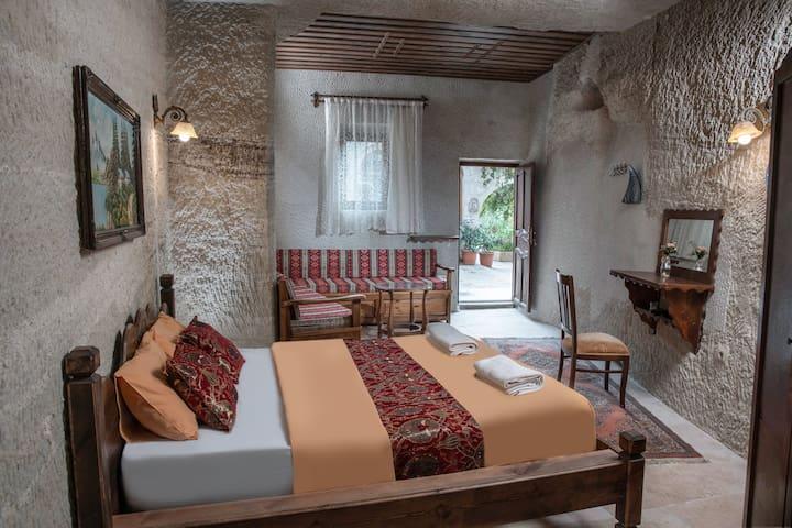 Garden Cave Hotel (Room 6)