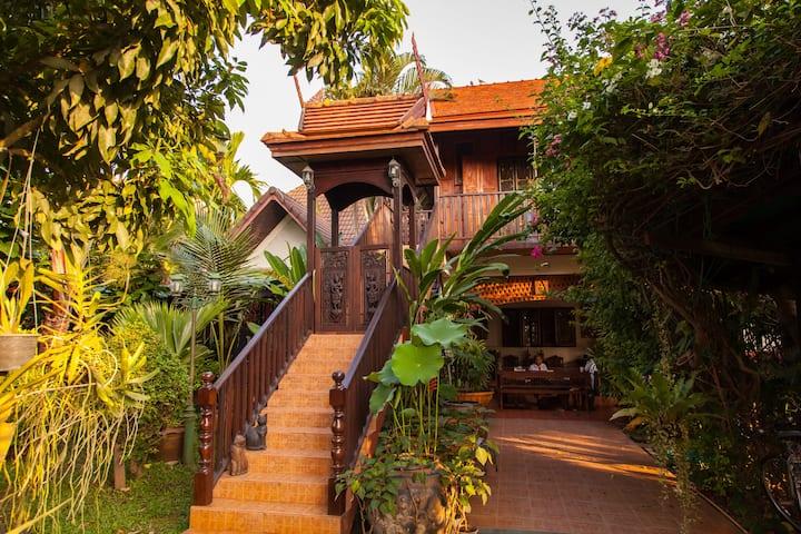 golden teak home room 3