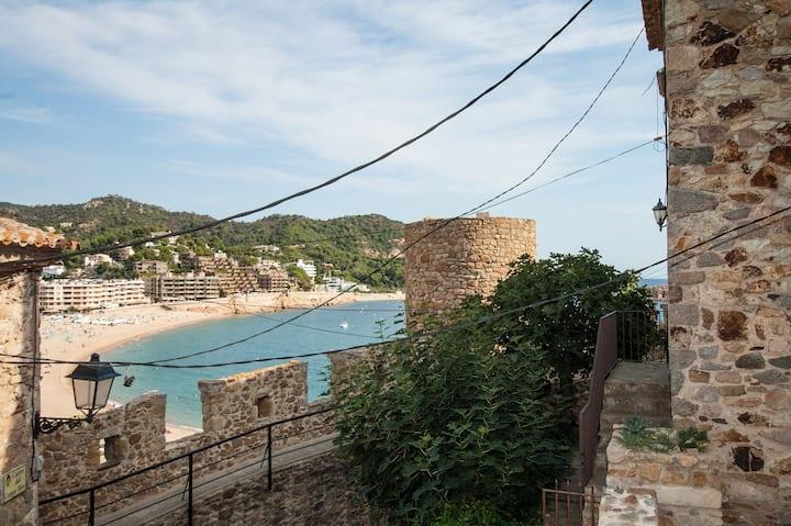 ★ CoastalVillas - Casa Sa Vela ★ in Tossa old town