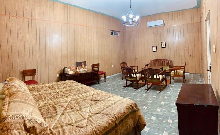 Casa Almar - 1945 LuxuryKing Size Suite