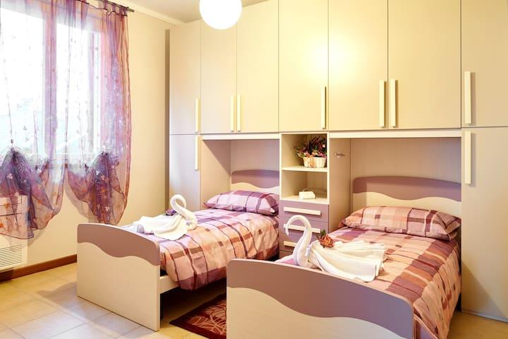 Bedroom3 (1 or 2 people)