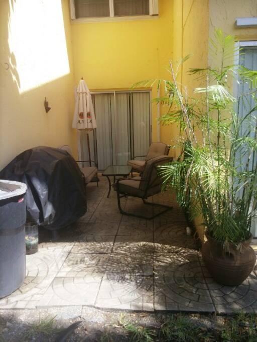 Nice patio, smokers welcomed