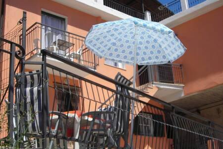 APPARTAMENTO CON GIARDINO - Appartement