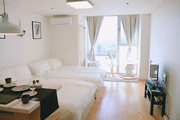★New house_4people★1min from Hongdae/Portable wifi - Seoul - Leilighet