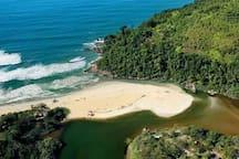 Praia de Itamambuca, canto direito, Ubatuba,-