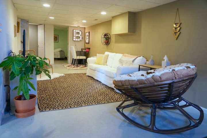 Central, Cozy, Clean and Private 2bd/1Ba Apt.
