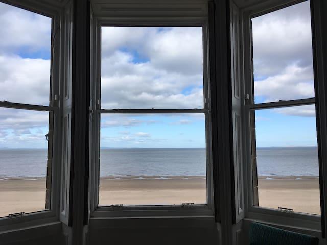 Family beachside home in Edinburgh - Edimburg - Casa