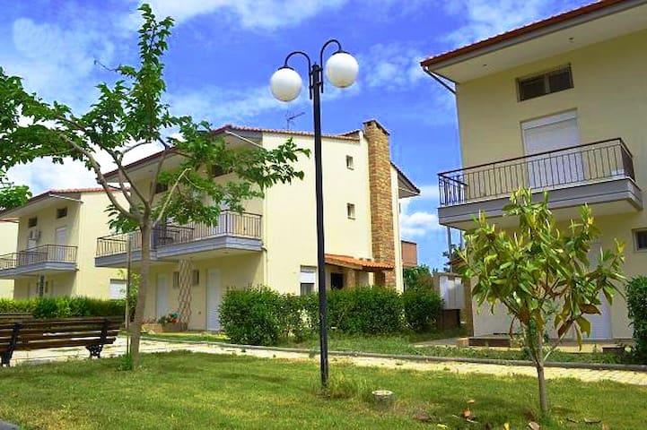 Όμορφο σπίτι κοντά στην παραλία!  - Kalives Poligirou - Dům