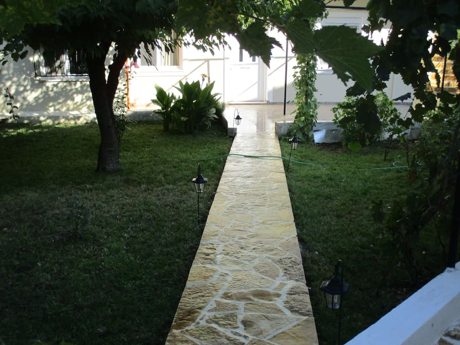 Διάδρομος ΕΙσόδου .
