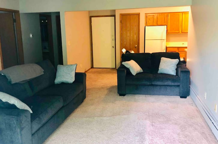 2 bedroom entire place with garage parking